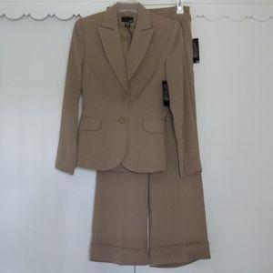 H&M Tan Pin Stripe Blazer & Pant Suit Size 4 NEW